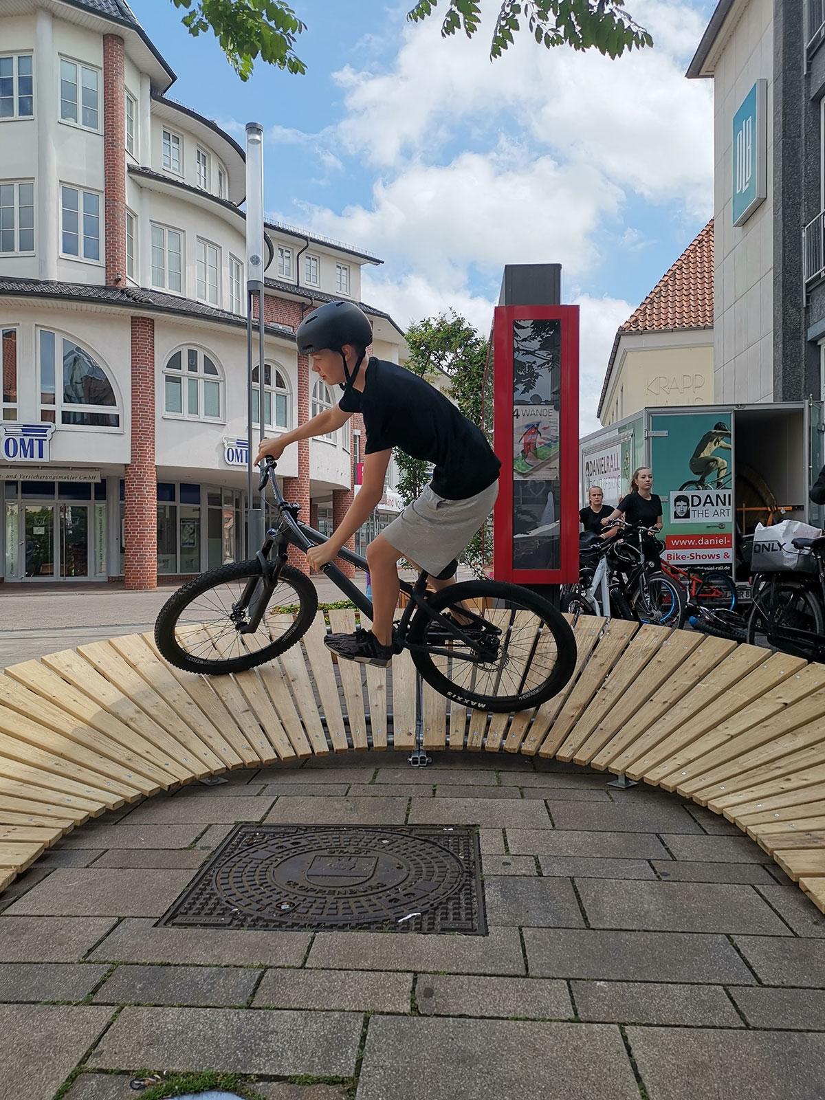 daniel-rall-bike-artist-hornberg-bike-coaching-schuetze
