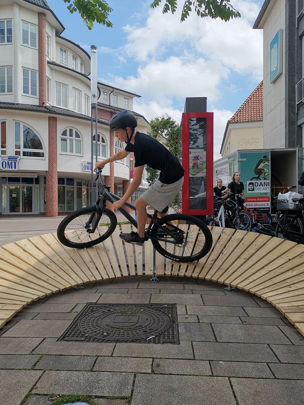 daniel-rall-bike-artist-hornberg-corona-challenge